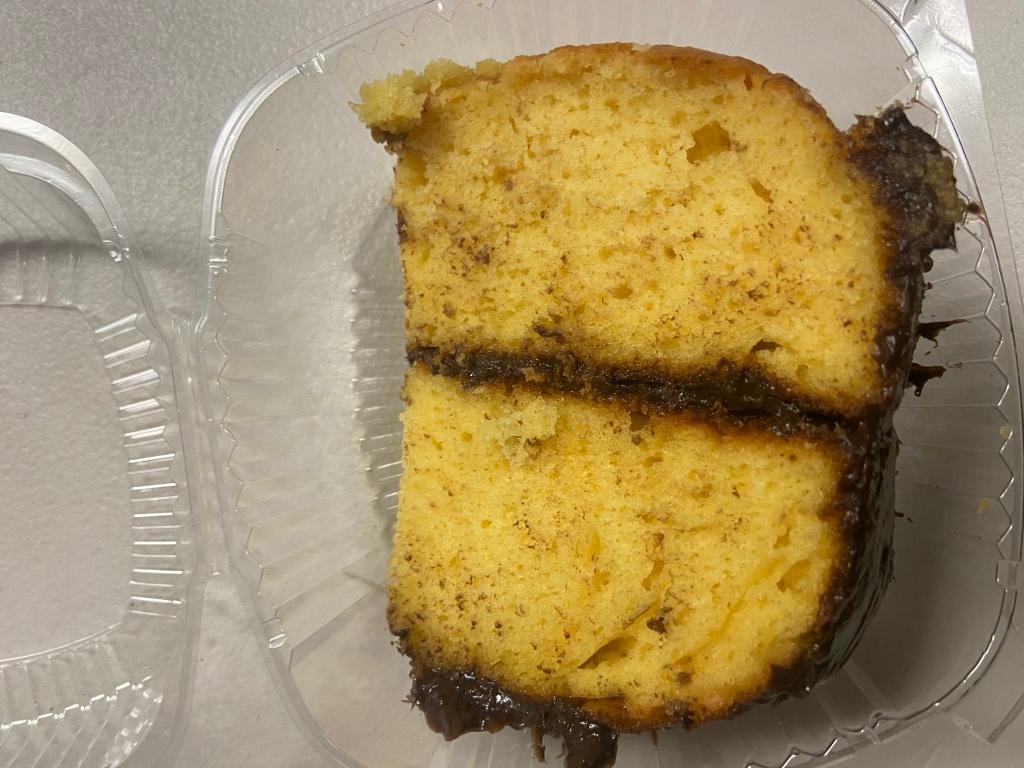 Vanilla Cake Chocolate Icing