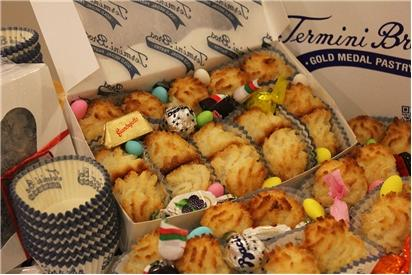 Coconut Macaroon Gift Box REQUIRES 24 HRS