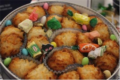 Coconut Macaroon Tin REQUIRES 24 HRS